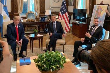 Los presidentes tuvieron una reunión de 45 minutos; repasaron algunos de los acuerdos bilaterales: un corredor vial, energía eólica y exportaciones de carne y limones