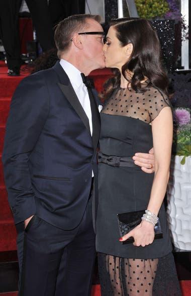Craig y Weisz, muy enamorados, durante la entrega de los Globo de Oro 2013