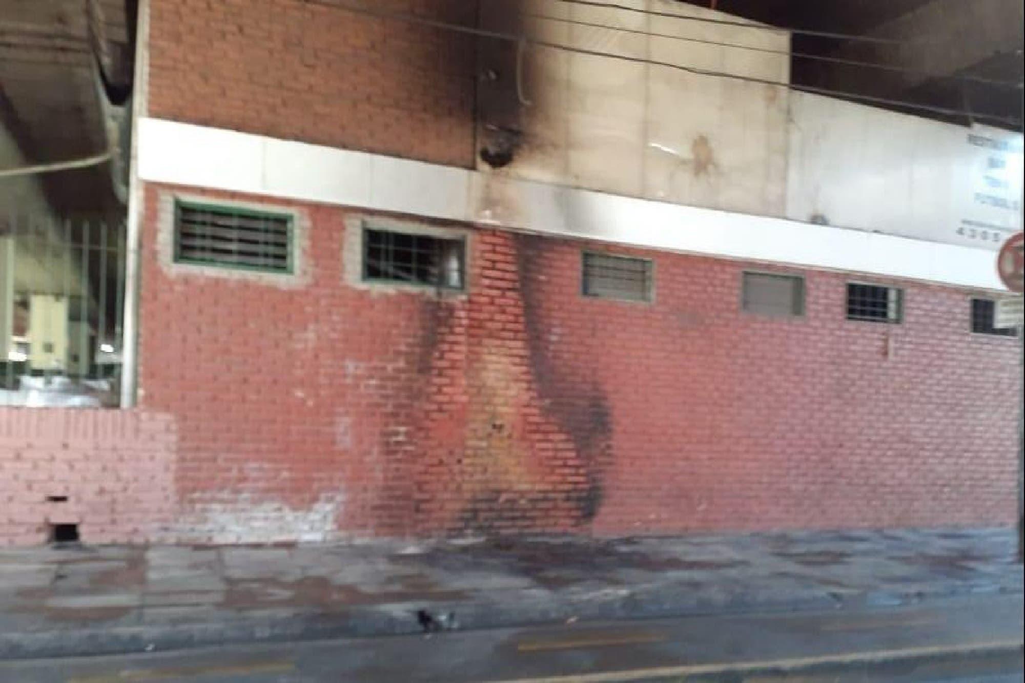 Femicidio: quemaron bajo la autopista 25 de Mayo a una mujer indigente