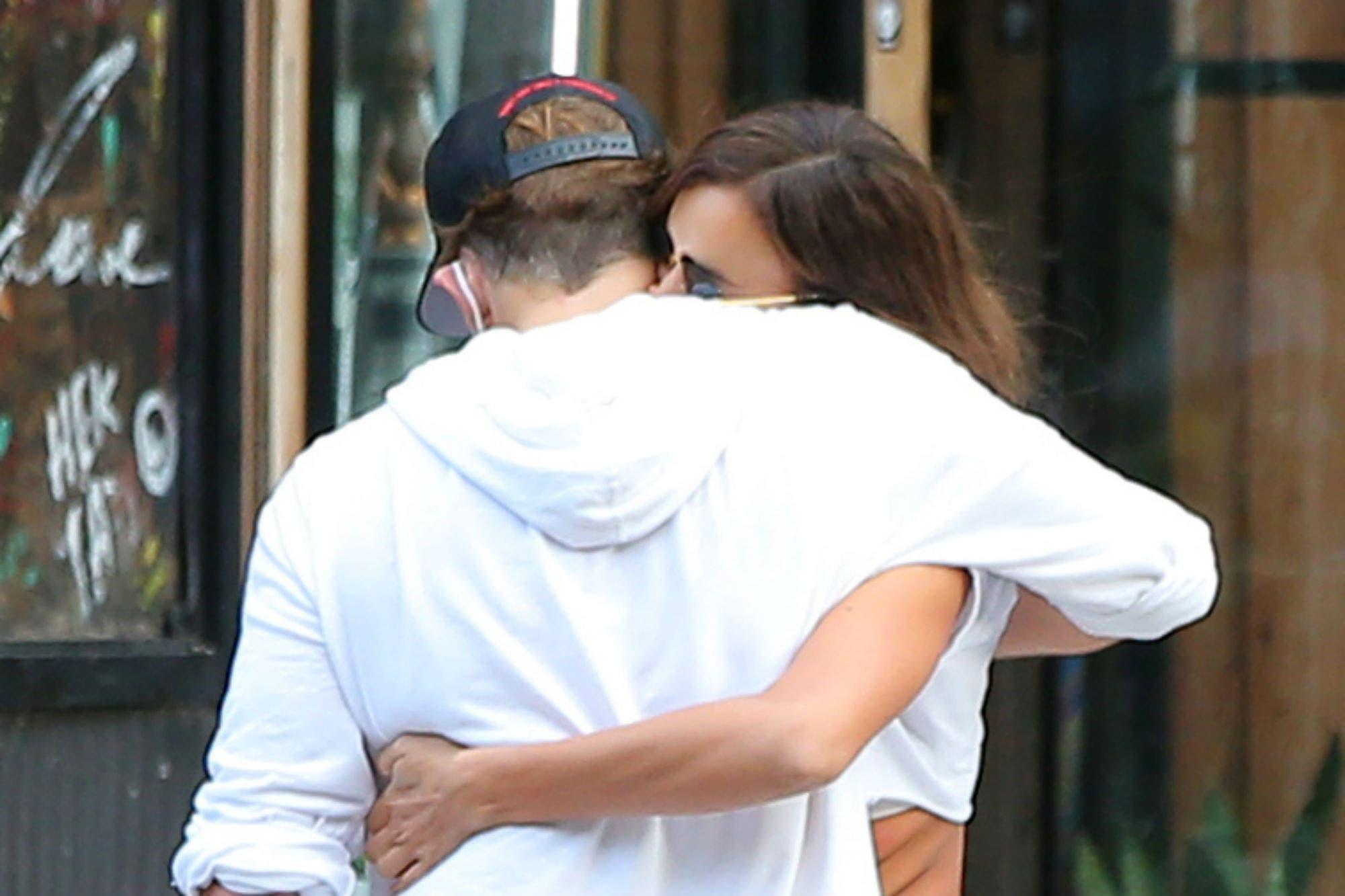 El cariñoso encuentro entre Bradley Cooper y su ex, Irina Shayk