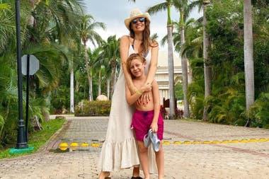 Pampita y Beltran disfrutando de un merecido descanso en México