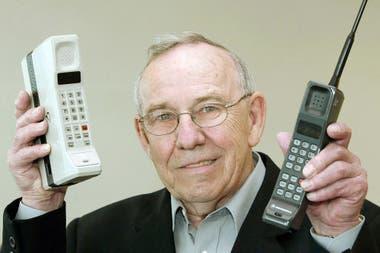 Rudy Krolopp, el diseñador del primer teléfono de Motorola, el DynaTAC 8000x