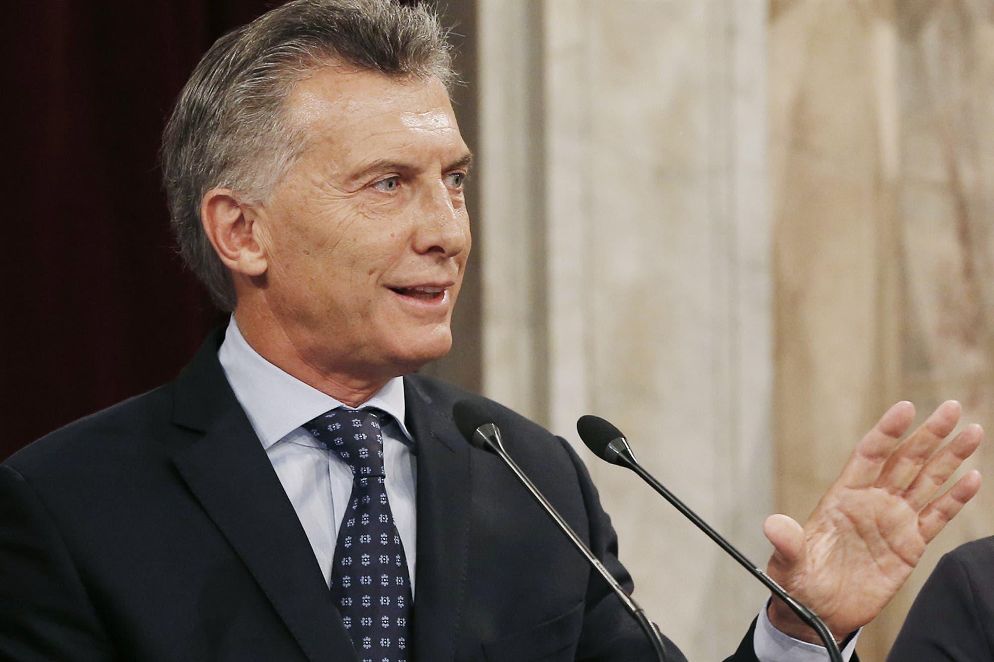 """Mauricio Macri: """"Es importante que se lance una competencia clara entre operadores telefónicos"""""""