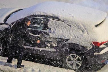 La nieva ha causado estragos en Pennsylvania, derribando árboles y líneas eléctricas y causando una pesadilla para los automovilistas