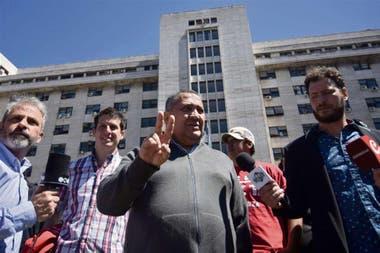 Luis DElia propuso que vayan presos los que compran y venden dólar blue