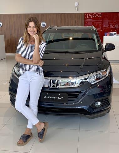 Eugenia Tobal maneja un Honda HR-V