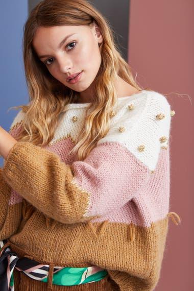 Vero Alfie exporta tejidos a mano, su colección noche y algunas cápsulas especiales a estados Unidos, Chile y Uruguay