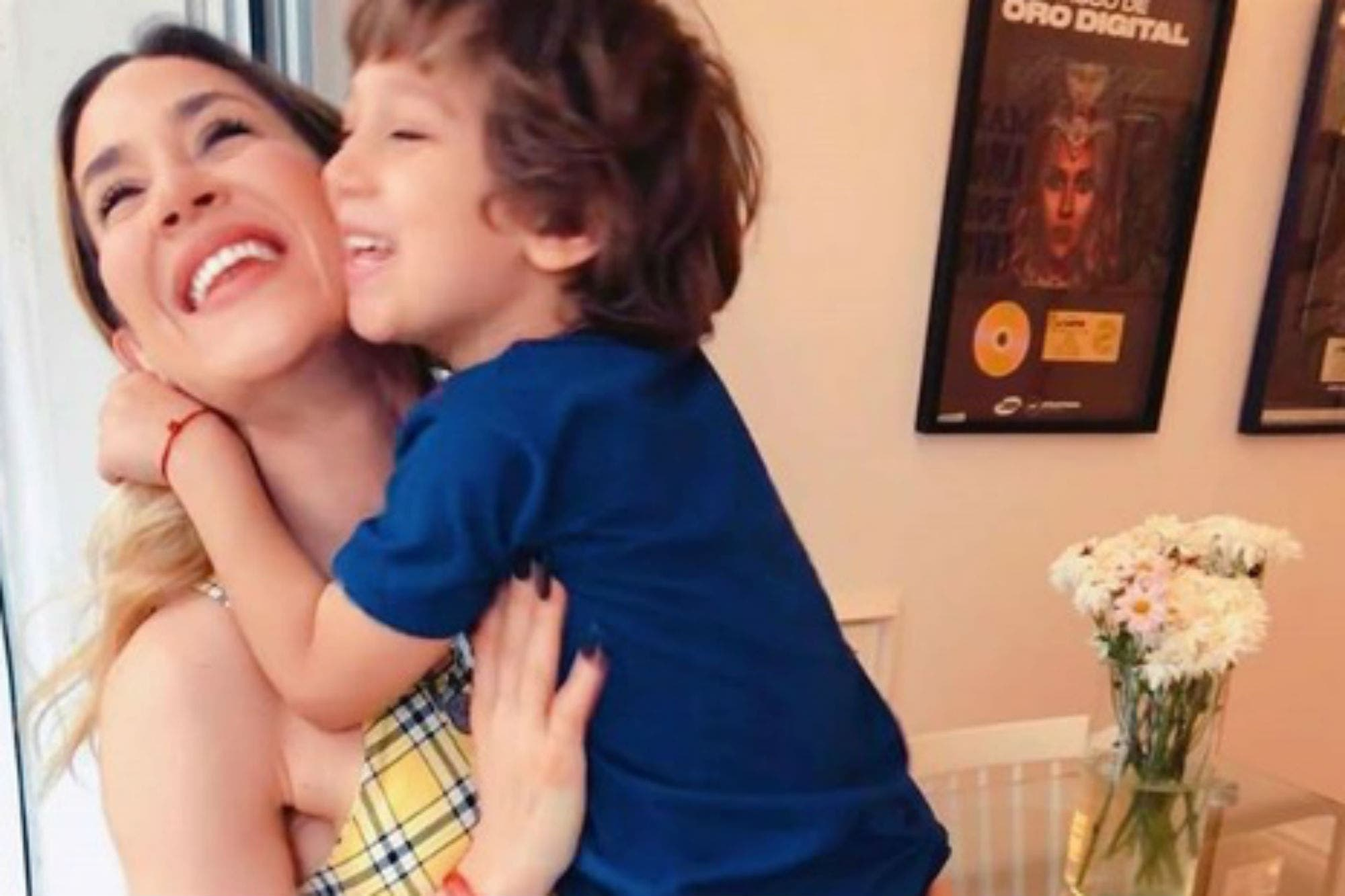 """Jimena Barón y su nuevo posteo con su hijo Morrison: """"Vengan de a un millón"""""""
