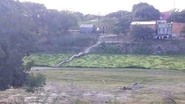 El río Pilcomayo es un hilo de agua que divide las localidades de Clorinda y la paraguaya Nanawa.