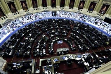 El kirchnerismo firmó dictamen del texto revisado el jueves pasado por la Cámara alta; Juntos por el Cambio adelantó su rechazo