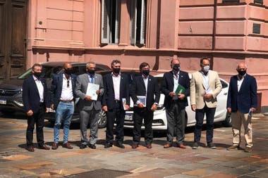Los dirigentes del agro antes del encuentro con Fernández