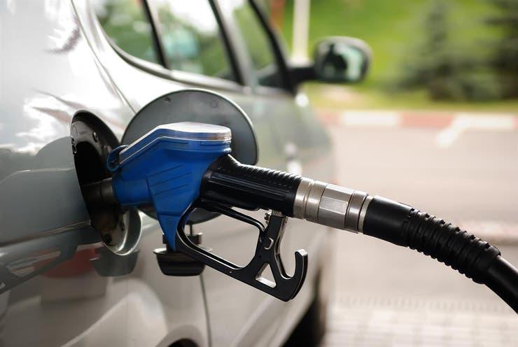 La rusa Lukoil abastecerá de petróleo refinado a 300 bocas de expendio de Oil