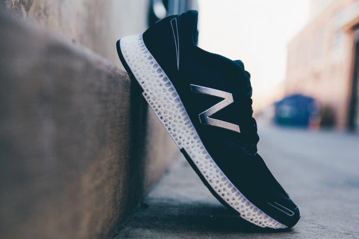 New Balance también produjo una serie de zapatillas con suelas fabricadas con impresión 3D que costaba 400 dólares y que formaba parte de una versión limitada de 44 pares