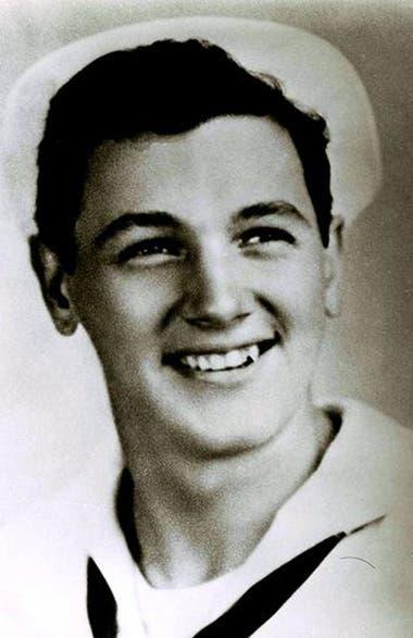 65731ff0e9 Una imagen de Hudson cuando aún era Roy Harold Scherer Jr. y se alistó en