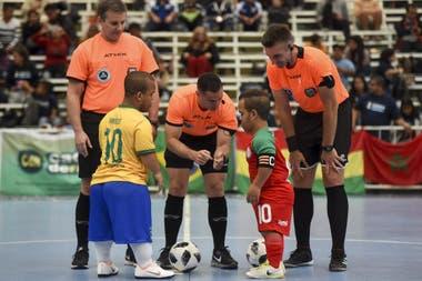 La selección de talla baja de Brasil en el sorteo contra Marruecos