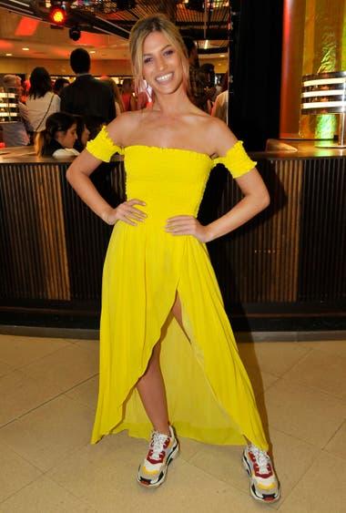 Stefanía Roitman, de amarillo