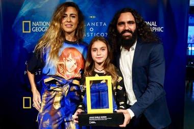 Juan Pablo Sorín junto a su mujer Sol Alac y su hija Beta