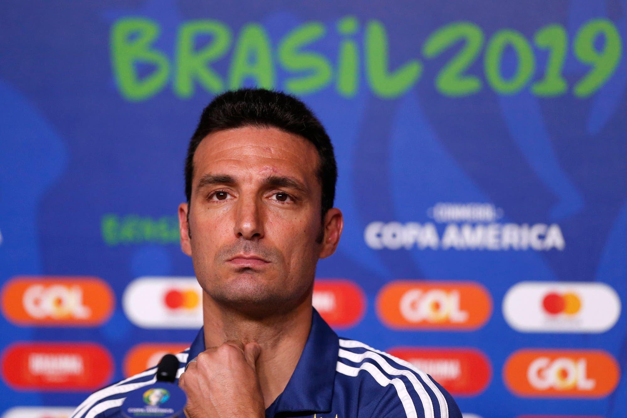 """Scaloni habló sobre Menotti y el rival: """"Qatar es difícil y juega bien al fútbol"""""""