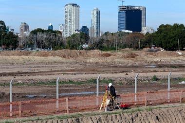 Construccin del Club Tiro Federal en el nuevo terreno junto al Rio de la Plata