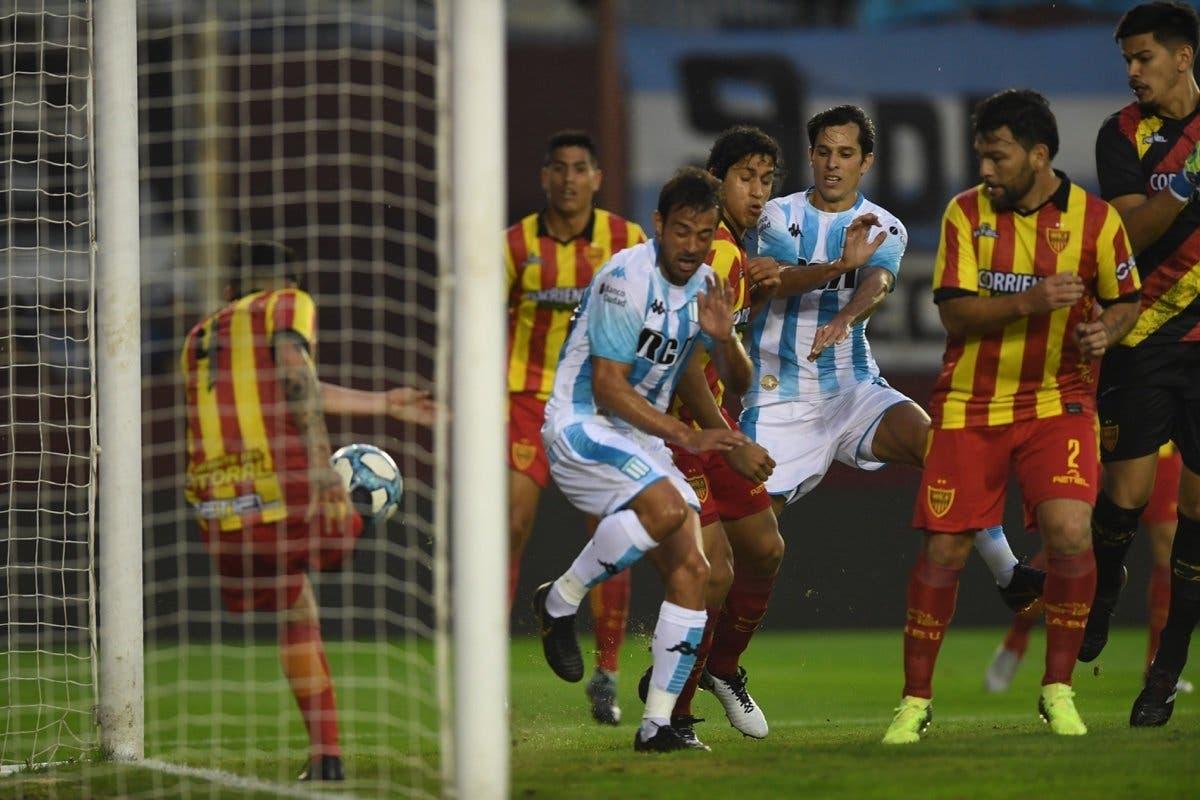 La jugada que pudo evitar la eliminación de Racing de la Copa Argentina