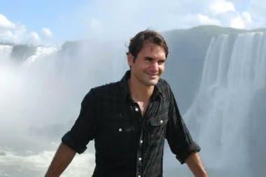 Federer visitó las Cataratas en 2012, durante la gira en la que se enfrentó con Del Potro en Tigre.