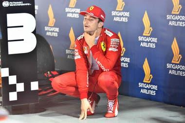 Leclerc, enojado tras la carrera: el monegasco terminó segundo en Singapur.