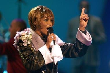 A pesar de sus intentos de rehabilitarse, Whitney Houston terminó presa de sus demonios