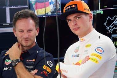 Christian Horner junto a su piloto estrella Max Verstappen; el líder de Red Bull Racing señaló que las nuevas medidas dejarán cesante a un grupo de trabajadores