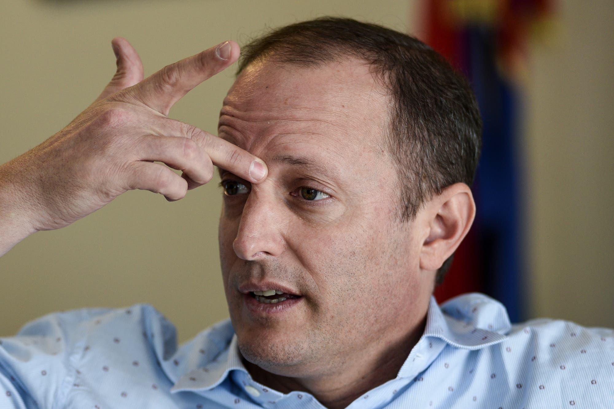 Coronavirus: Martín Insaurralde continúa internado en observación