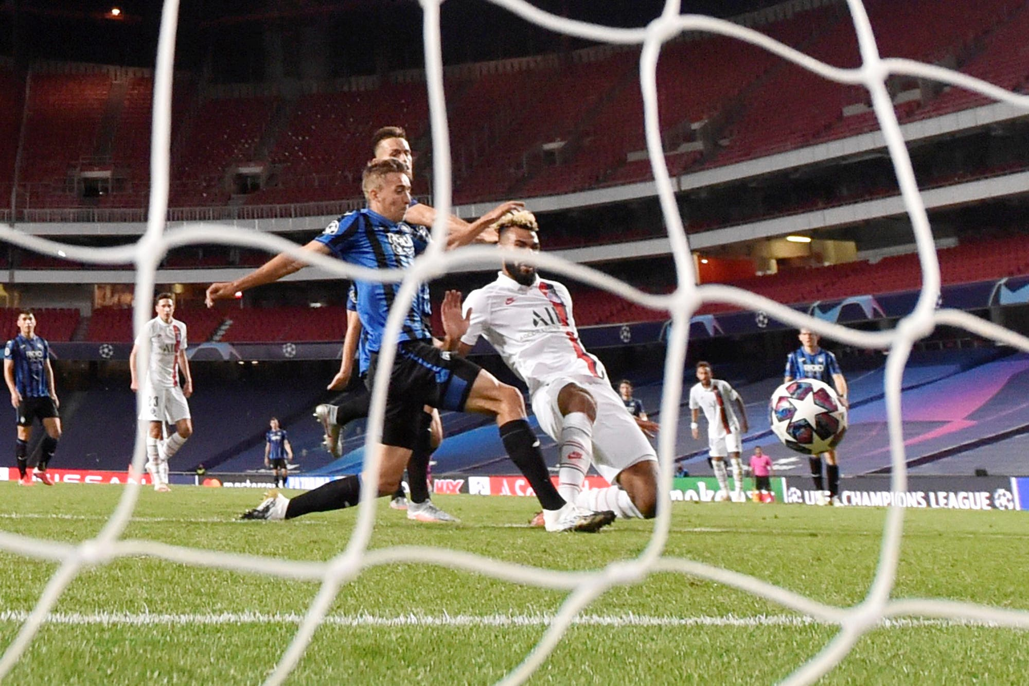 PSG-Atalanta: el video de los dos goles agónicos en tres minutos que les dio a los franceses el pasaje a semis de la Champions League