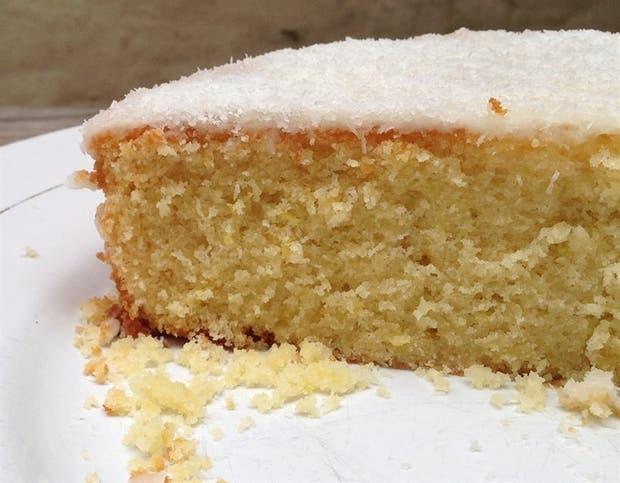Receta de Torta de coco y lima con glaseado mixto