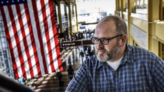 Bob Burns es el hombre detrás de la cuenta de Instagram de la TSA