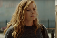 En Sharp Objects, Amy Adams es una periodista que enfrenta sus fantasmas