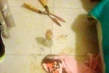 Así quedó el piso del dormitorio de Barattini después del hecho.