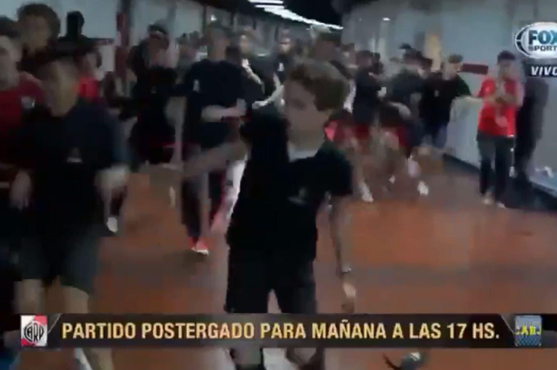Dramática escena: Rodolfo D' Onofrio debió abandonar una entrevista de la TV por corridas en el Monumental