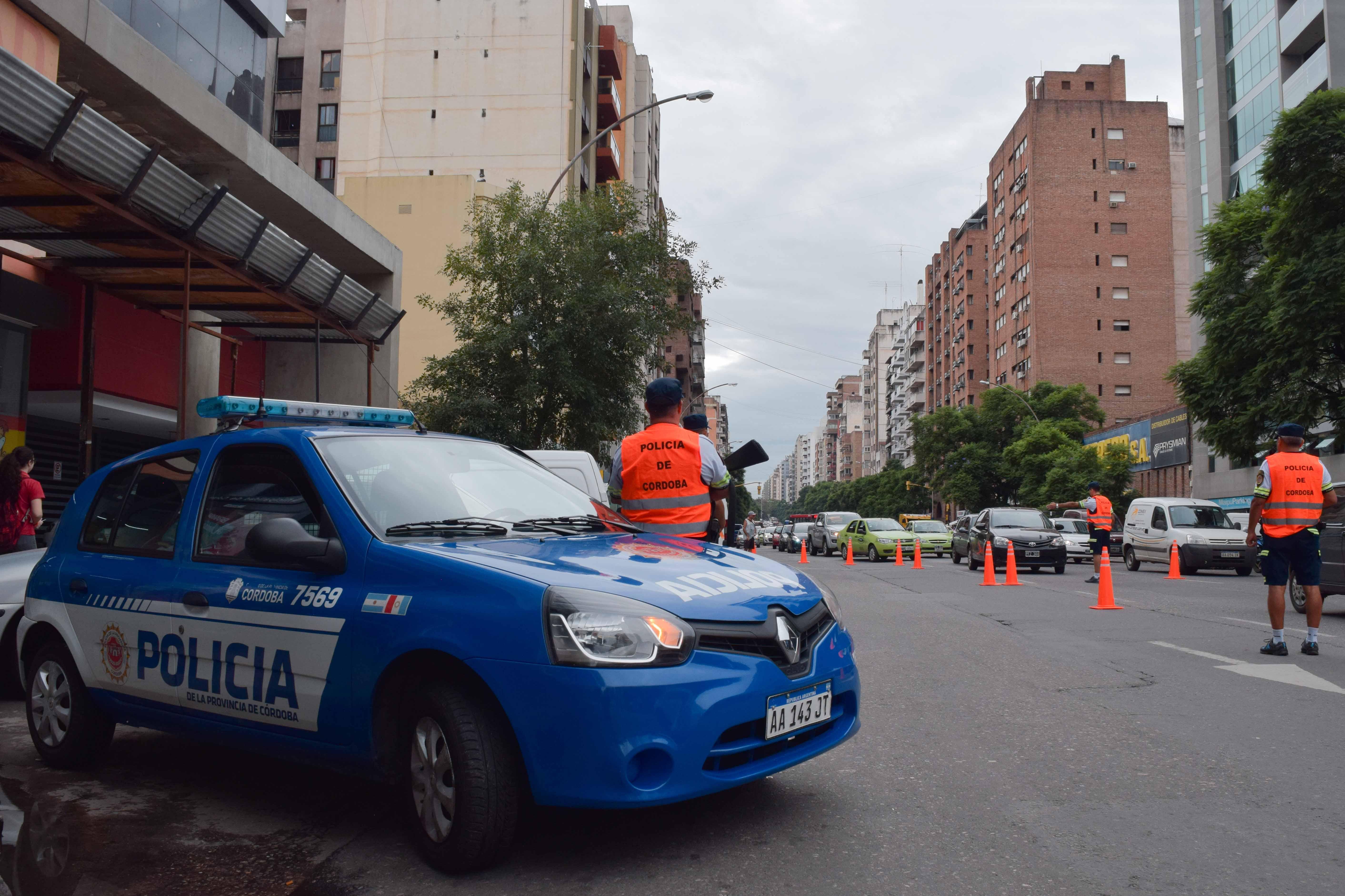 Córdoba: mató a su pareja adelante de su hija y después se disparó
