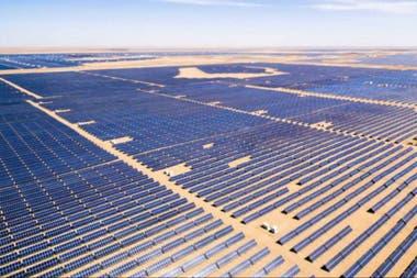 La planta cuenta con más de 900 mil paneles fotovotaicos