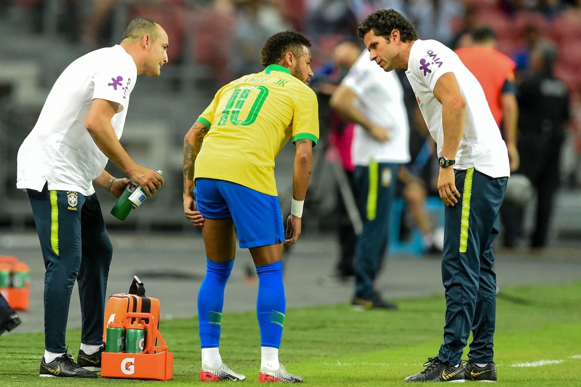 Otra vez afuera: Neymar volvió a lesionarse y estará un mes sin jugar en PSG