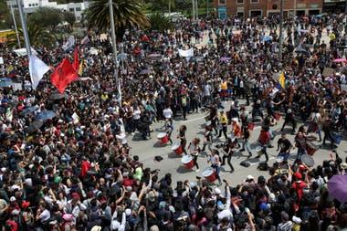 Gran cantidad de personas marchan en Bogotá, Colombia