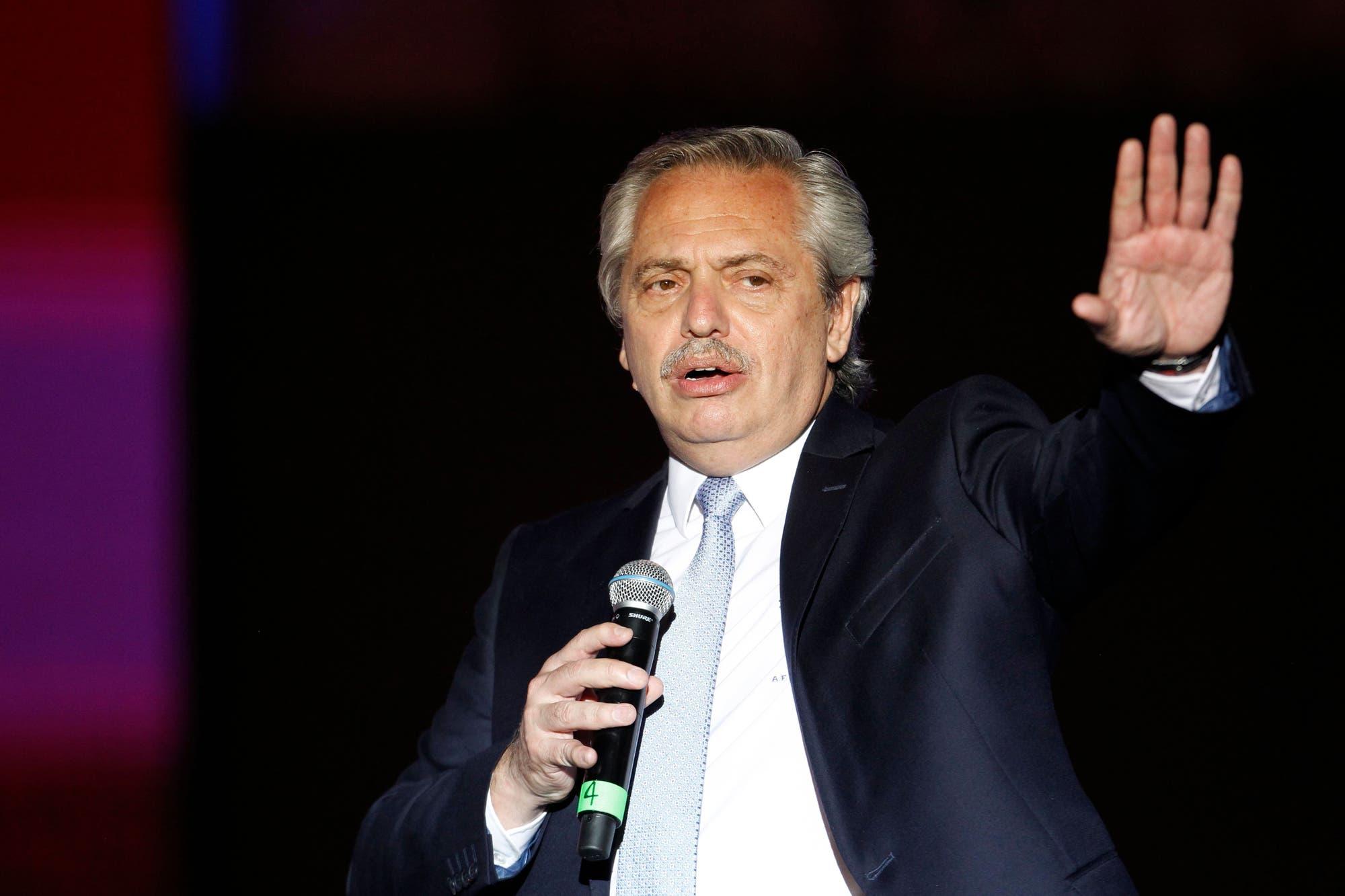 Polémica por un artículo que otorga poderes a Fernández para reformar el Estado