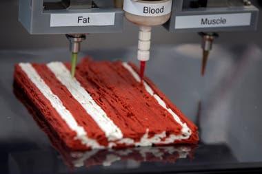 El sistema utiliza el mecanismo de las impresoras 3D para combinar grasa, agua y proteína vegetal para emular el aspecto y sabor de un corte de carne vacuna