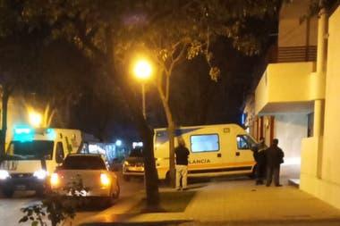 El momento en que la ambulancia se encontraba en la casa de Nardelli y encendió las alarmas