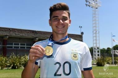 Álvarez fue campeón del Preolímpico Sub-23 con la selección en el verano