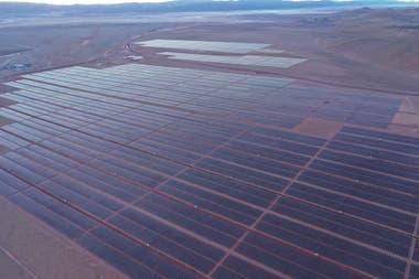La planta solar Cauchari de Jujuy, comenzó a vender energía a la red nacional.
