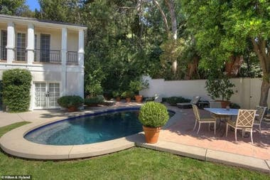 La piscina de la casa de Katy Perry: la cantante de 35 años es dueña de varias propiedades