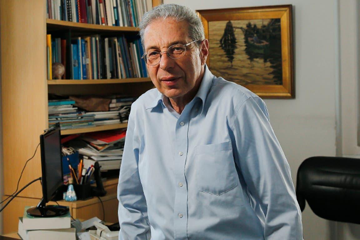 Daniel Marx estuvo a cargo de la renegociación de la deuda externa entre 1989 y 1993, y fue secretario de Finanzas entre 1999 y 2001; Adrián Cosentino trabajó con Guillermo Nielsen y con el ministro Hernán Lorenzino