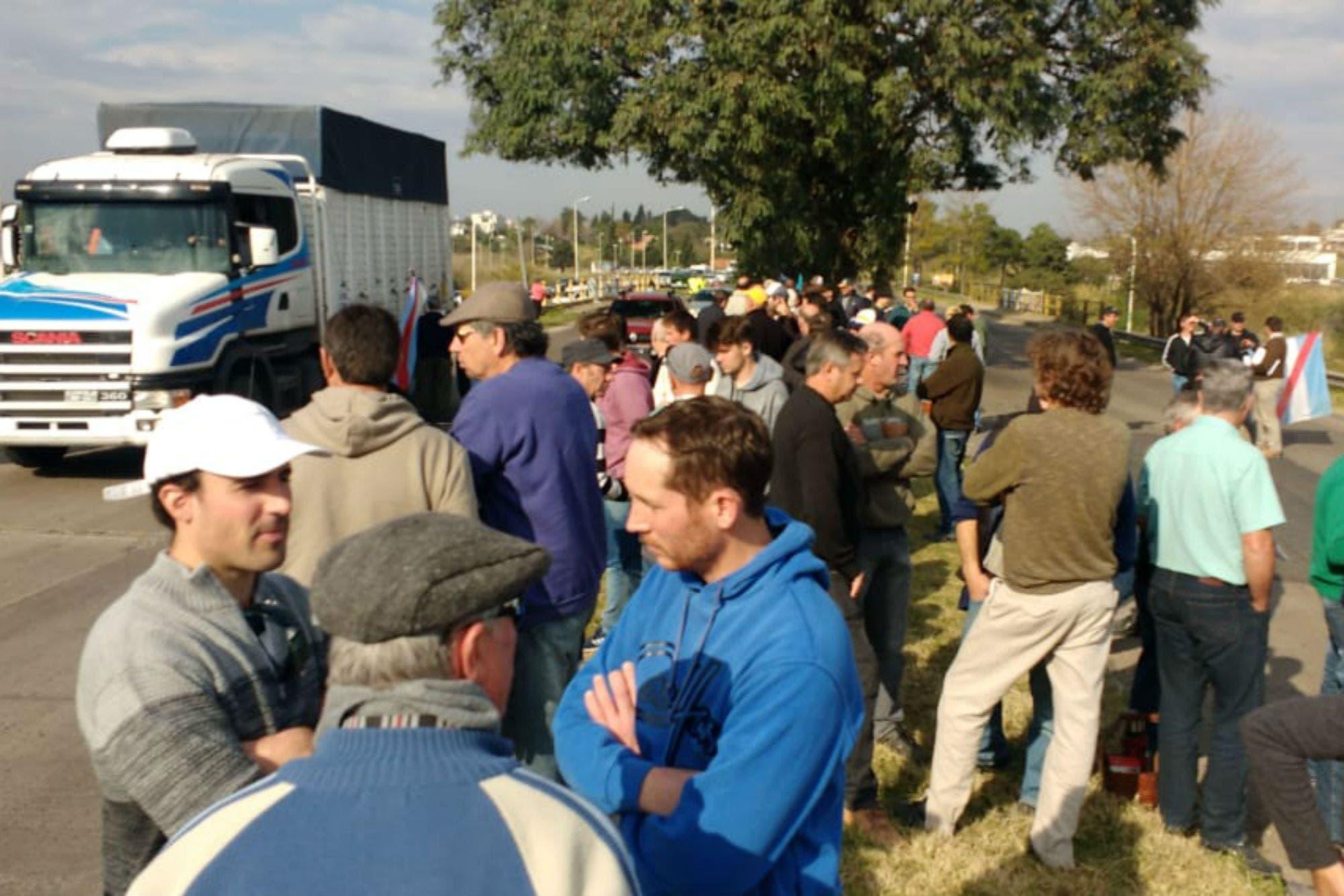 Entre Ríos: 300 productores se movilizaron contra una restricción a los agroquímicos