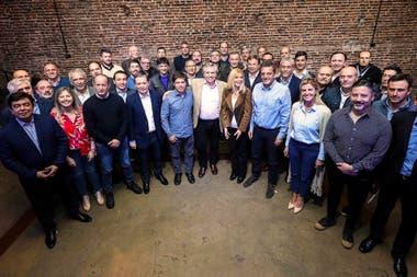 Fernández estuvo esta semana con el precandidato a gobernador bonaerense, Axel Kicillof, la cabeza de lista de Diputados, Sergio Massa, e intendentes peronistas