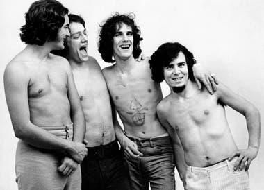 Almendra a fines de los años 60: Edelmiro Molinari, Emilio Del Guercio, Luis Alberto Spinetta y Rodolfo García