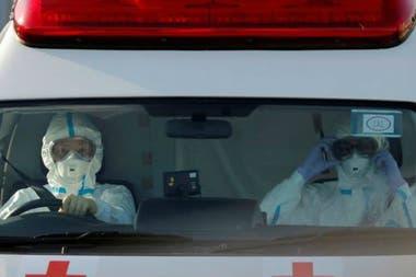 El personal médico es un sector que corre más riesgo de ser contagiado por un superpropagador